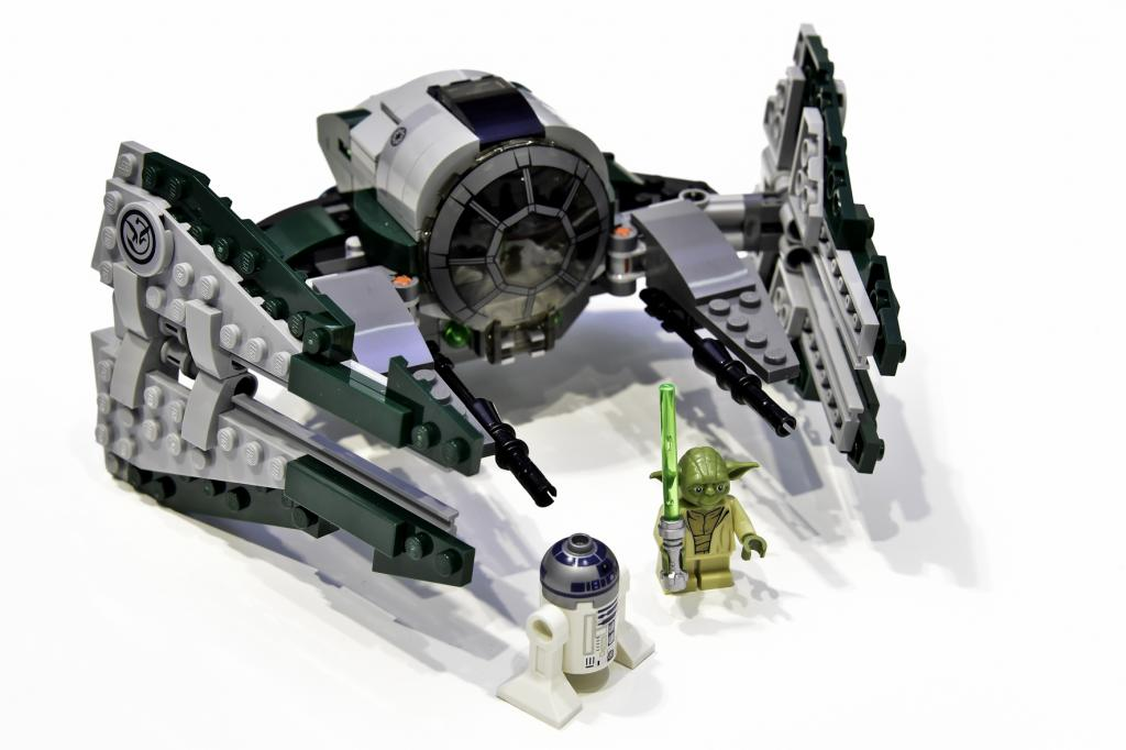 ARCHIVE: Discussion: Spoilers/Rumors -13 - Page 37 10021307_75168_LEGO-Star-Wars_Yodas-Jedi-Starfighter_Spielwarenmesse2017