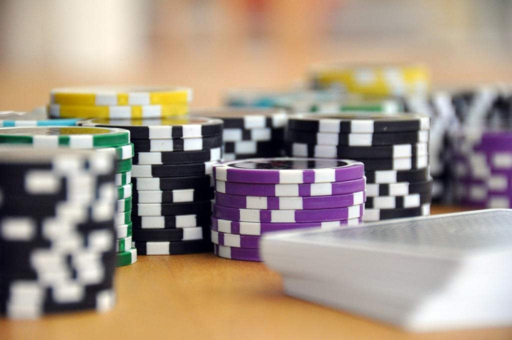 blue green and purple poker chips 39856 (Groß)